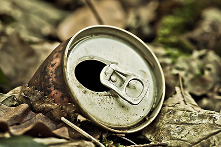 Sampah kaleng minuman
